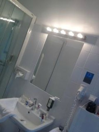 Hotel KUNSThof : bathroom