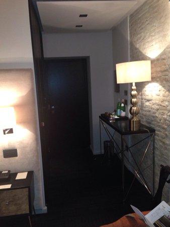 Dom Hotel Roma : Couloir de la chambre