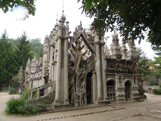 Palais Ideal du Facteur Cheval : Magnifique :)