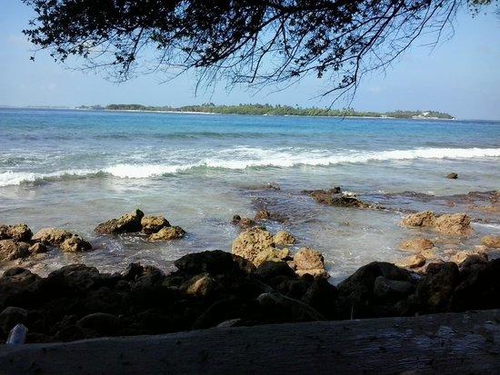 Cinnamon Dhonveli Maldives : Scenario from one of the reataurants