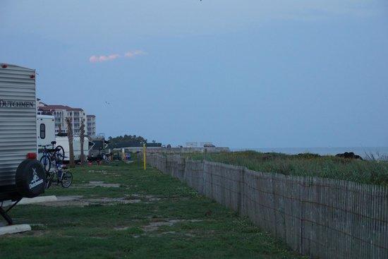 Dellanera RV Park : looking east from campsite