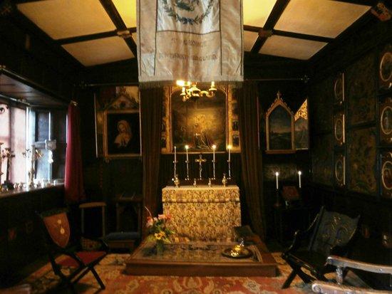 Baddesley Clinton: Chapel