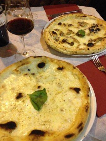 La Casa Di Toto': Pizza Bianca & pizza tartufo