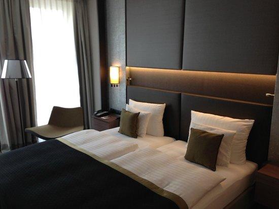 Steigenberger Hotel Am Kanzleramt: Bett