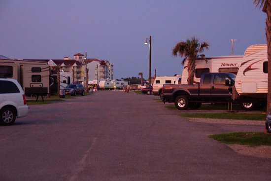 Dellanera RV Park : View of drive and other camp sites