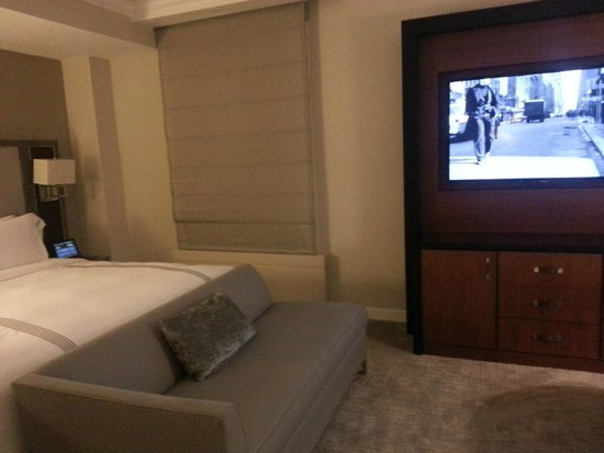 the Quin: Bed & Sitting Area