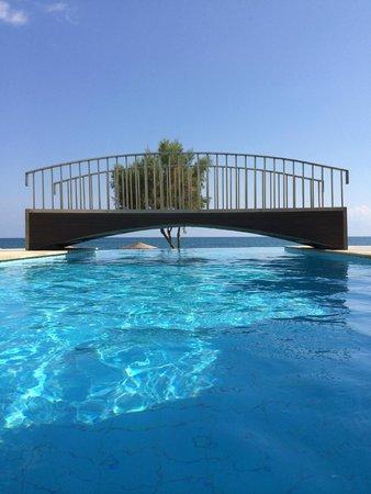 Grand Bay Beach Resort: view from pool to beach