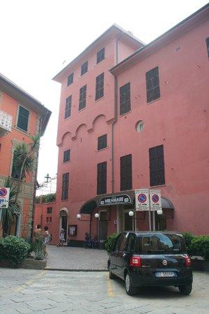 Hotel Miramare Sestri Levante: hotel aan de bijna verkeersvrije straatzijde
