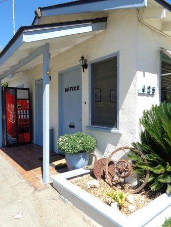 Farmhouse Motel: office