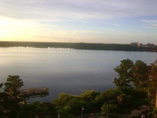 Blue Heron Beach Resort: Vista do sexto andar - lago