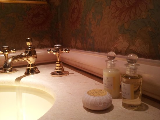 Hotel Pigalle: Toiletries