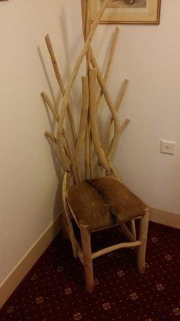 Hotel Eiger: hallway accents