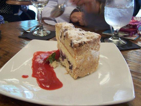 Hampton's at JH Adams Inn: Delightful dessert!