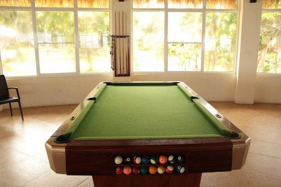 Cuarto de juegos - Picture of Media Luna Resort & Spa, Roatan ...