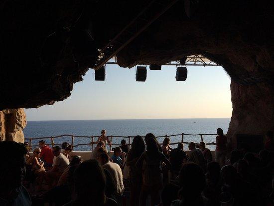 Cova d'en Xoroi: Août 12 2014