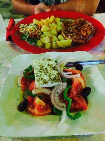 Farmer s House : Personale molto accogliente, buona cucina, servizio rapido. Per cenare in 2 si spende in media 2