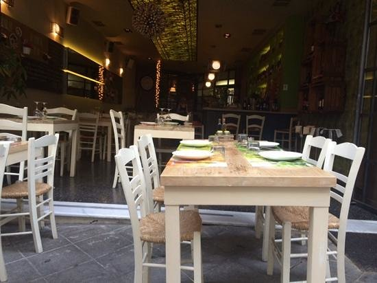 Mono Restaurant: 客席