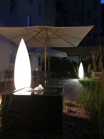 Motel One Berlin-Hackescher Markt: Terrasse
