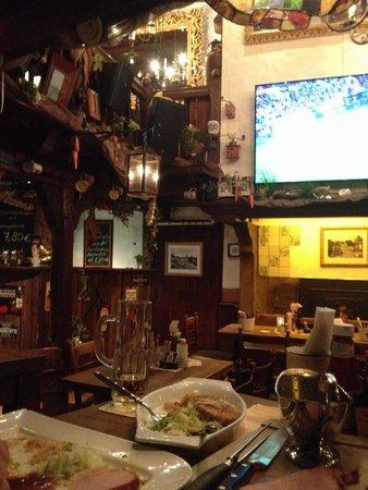 Zum alten Markt: Kassler mit Fußball