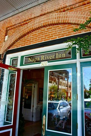 Napa River Inn at the Historic Napa Mill: Front door