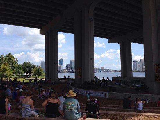Riverside Arts Market: Concert