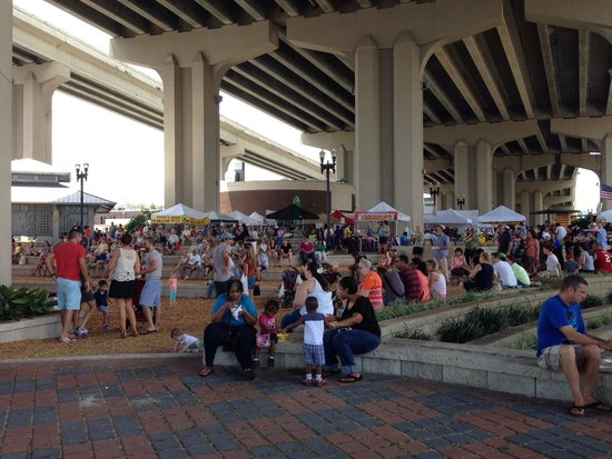 Riverside Arts Market: Ram