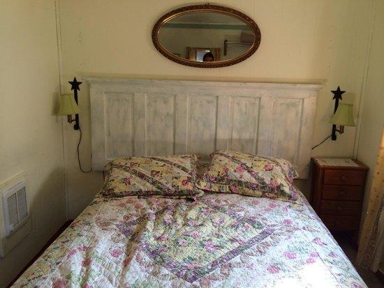 Open Hearth Inn : Bed