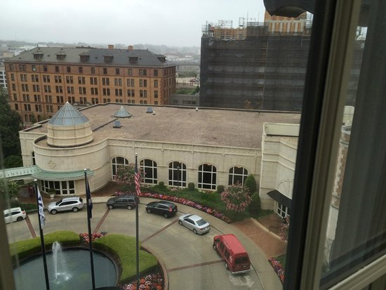 The Hotel Roanoke & Conference Center, Curio Collection by Hilton: View from room 636