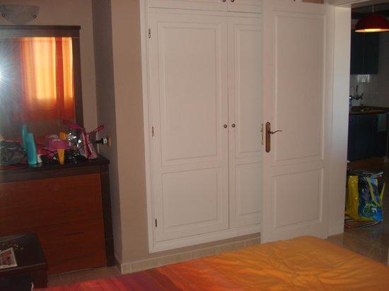 Colina Mar Apartments: room 109