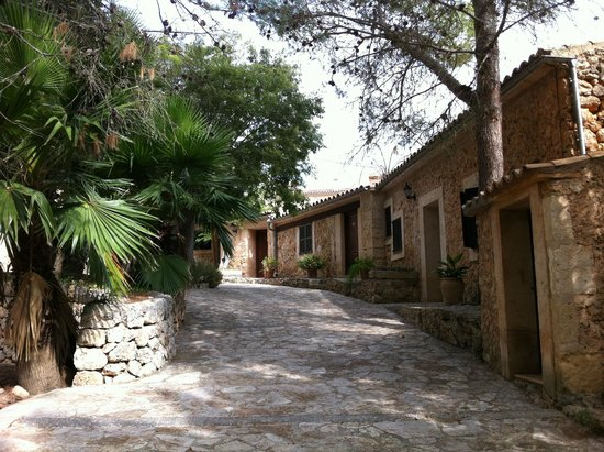 Petit Hotel Rural Son Jordà: Outside rooms