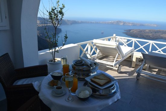 Avianto Suites: Breakfast