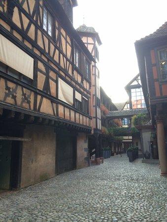 Hôtel Cour du Corbeau Strasbourg - MGallery Collection : Parece que entres en otra epoca.