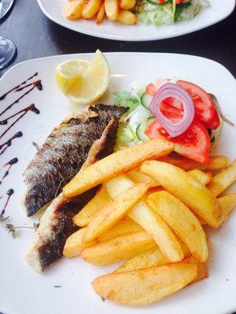 Thalassa Seafood Restaurant: Grilled sea bream fillets