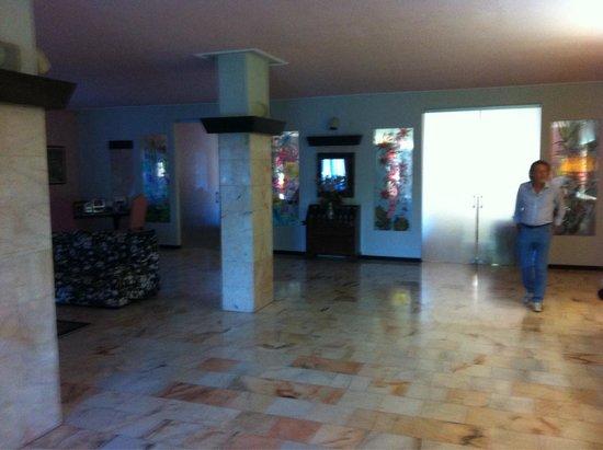 Hotel Park Ge.Al.: La hall dell'albergo