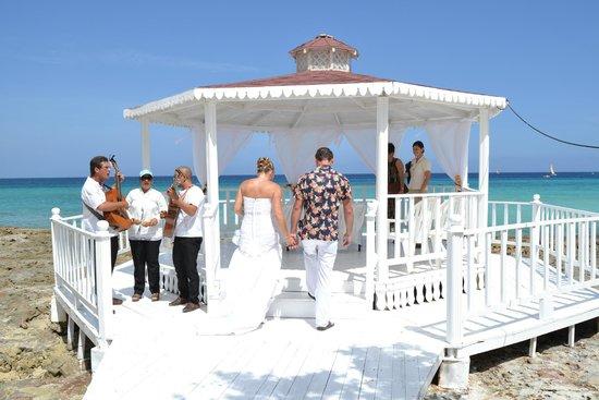 Hotel Playa Pesquero Resort, Suite & SPA: wedding pavillion