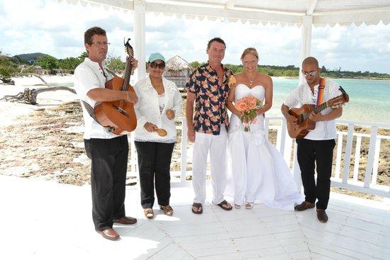 Hotel Playa Pesquero Resort, Suite & SPA: music