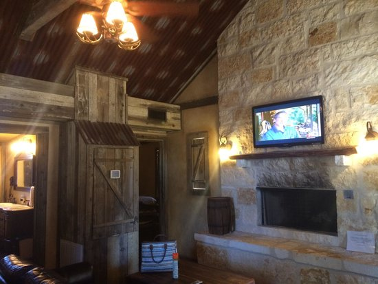 Country Inn & Cottages : Living area