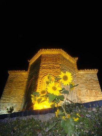 St. Jovan Kaneo: Kaneo by night!