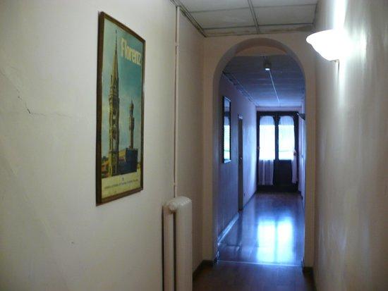 Hotel Garden : Коридоры флорентийского дворца