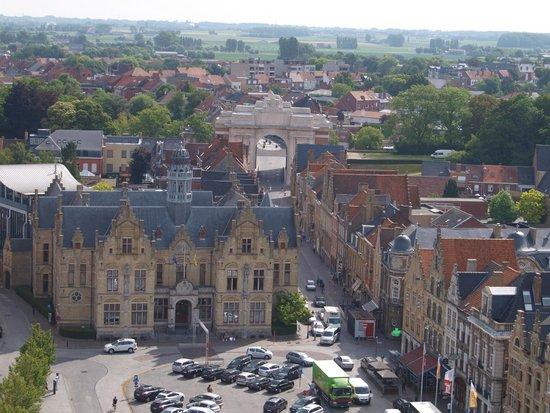 Musée de la guerre «In Flanders Field» : a view of the Menin gate