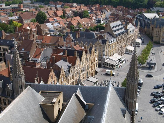 In Flanders Fields Museum: Ieper from the roof of the museum