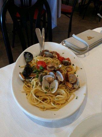 Al Brigantino: Spaghetti allo scoglio