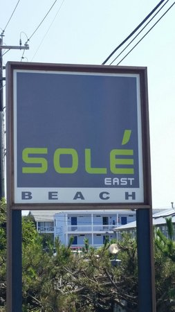 Sole East Beach: Motel sign