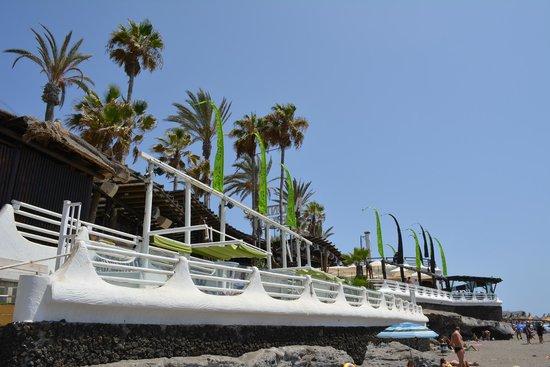 Gran Oasis Resort: monkey beach bar