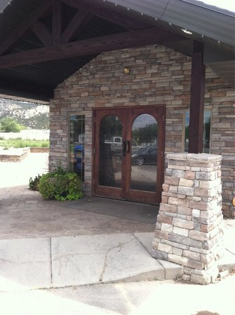 Lisa's Country Kitchen: Front entrance