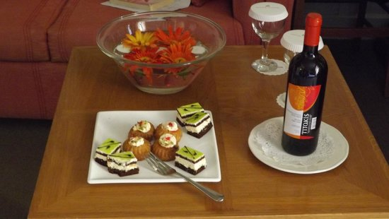 Ideon Hotel : our 5th Wedding Anniversary surprise from the Hotel