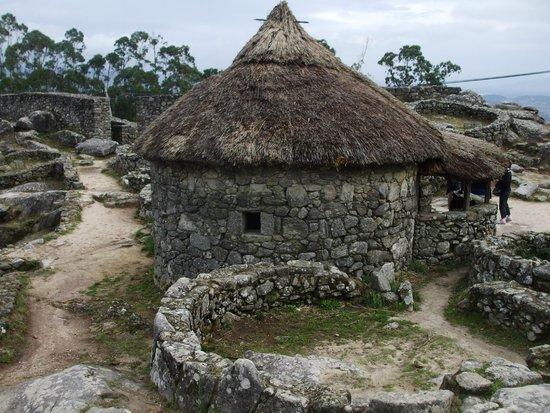 Santa Tecla Celtic Village: hutte reconstruite