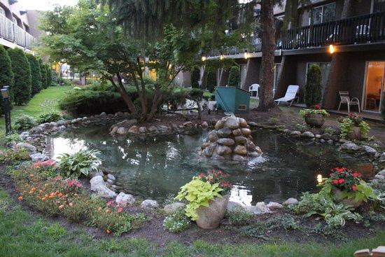 Village Green Hotel: Inpandig een tuin