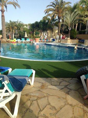 Gran Oasis Resort: smaller pool/ water sports pool