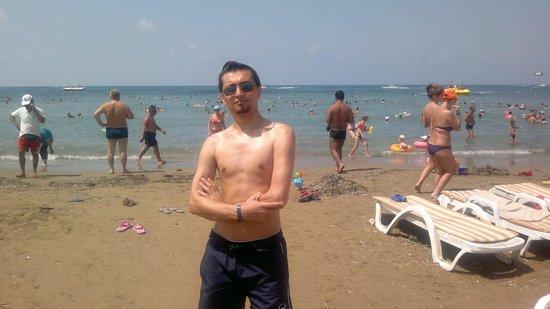 Larissa Beach Club: beach